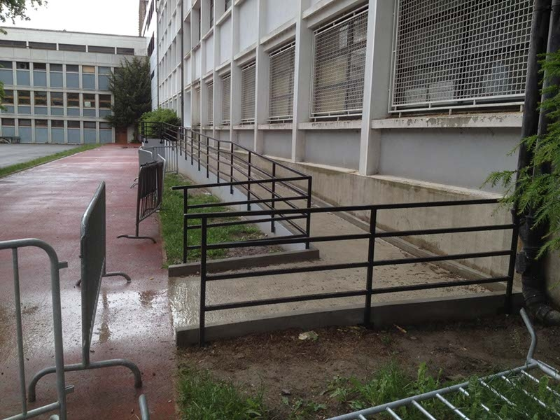 Création d'une rampe handicapée, Lycée Jacquard (Paris).