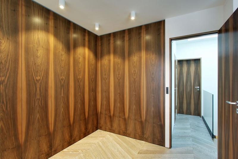 Etage : Vue sur couloir