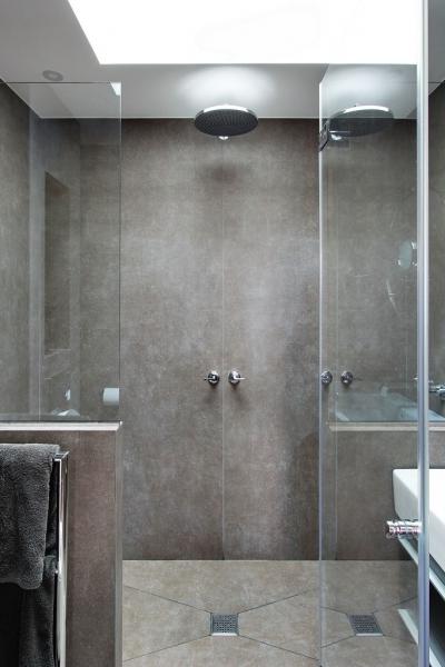 Etage : Salle de bain 1 - Douche à l'italienne