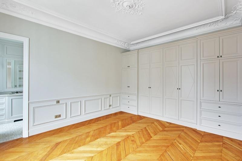 Chambre (vue sur salle de bain) : Après